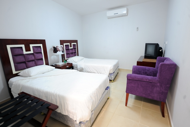 Hotel Ritz Calulo - Image 4