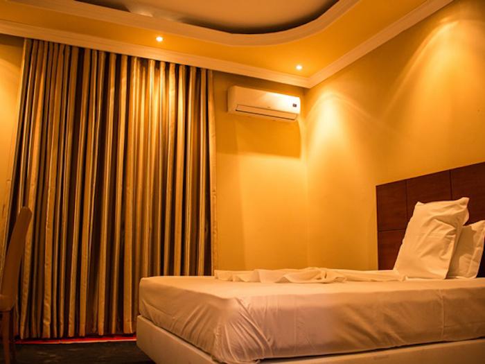 Hotel Pamplona - Image 3