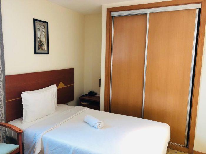 Golden Park Hotel - Image 18