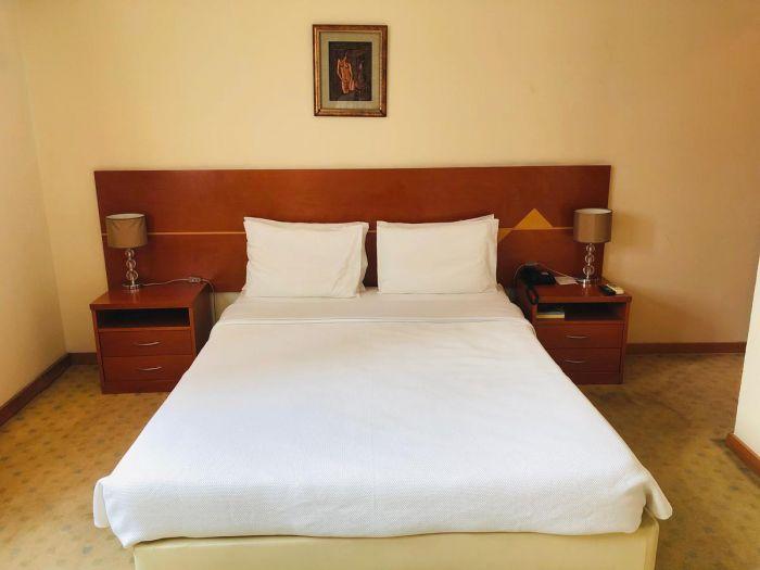Golden Park Hotel - Image 4