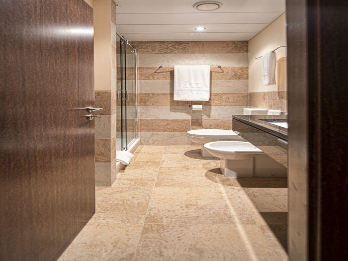 IU Hotel Uige - Image 12
