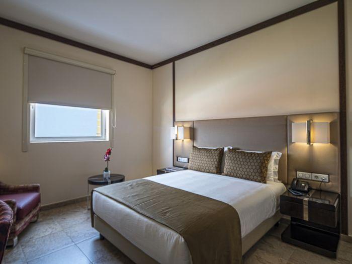 IU Hotel Uige - Imagem 4