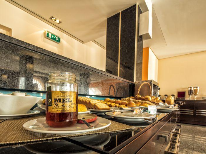 IU Hotel Sumbe - Imagem 3