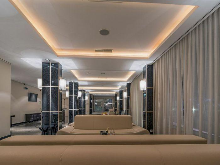 Iu Hotel Dundo - Imagem 9