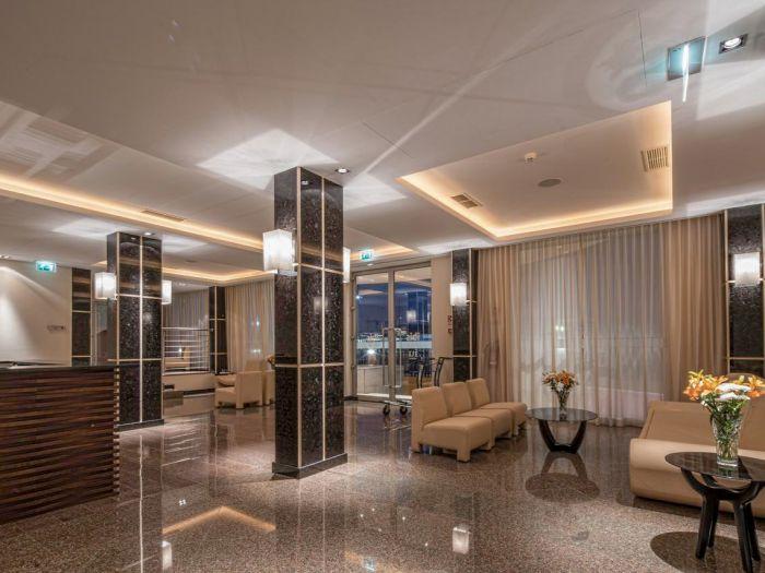 Iu Hotel Dundo - Image 14