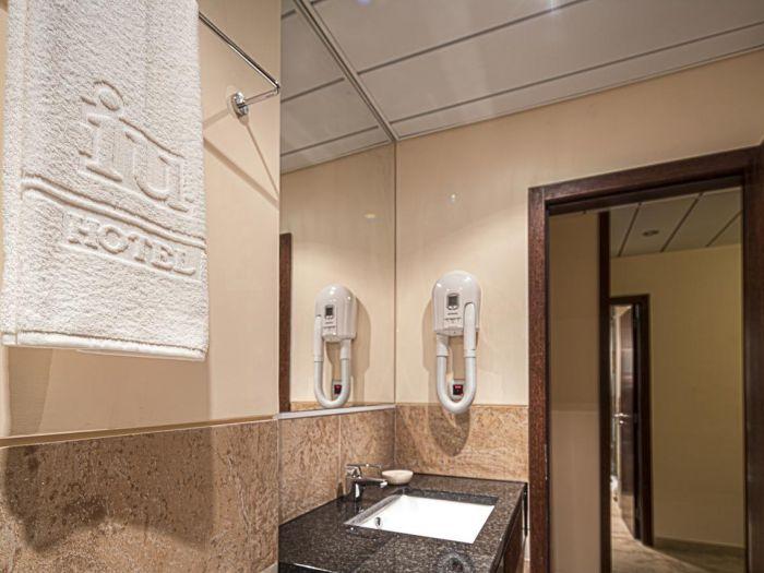 Iu Hotel Dundo - Imagem 7