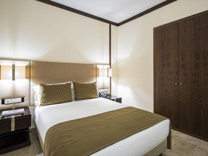 Iu Hotel Dundo - Image 5