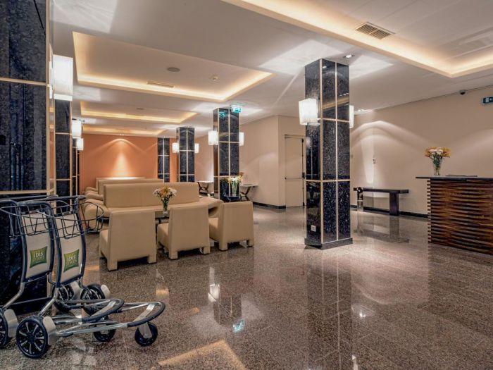Iu Hotel Dundo - Image 12