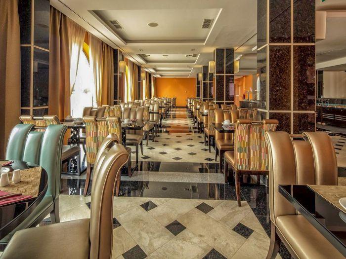 Iu Hotel Dundo - Image 8