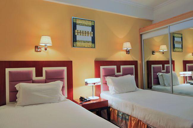 Hotel Roma Ritz Huambo ~ Quarto Tipo Twin