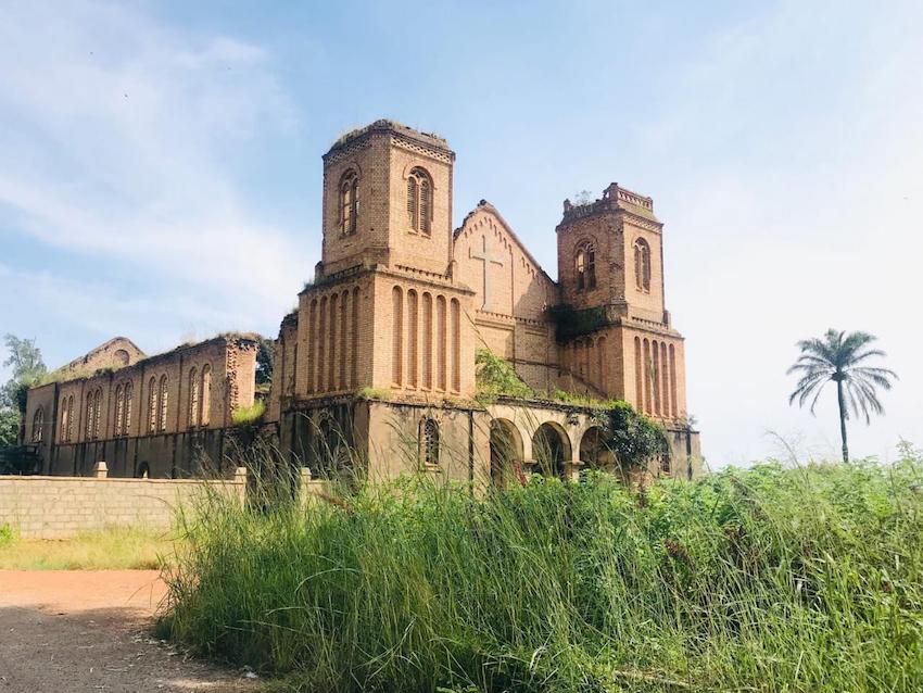 catedraldes.jose-missaodojanjo-comunadoluvemba-municipiodobailundo-01.jpeg