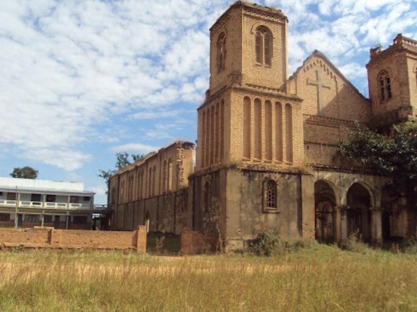 catedraldes.jose-missaodojanjo-comunadoluvemba-municipiodobailundo-04.png