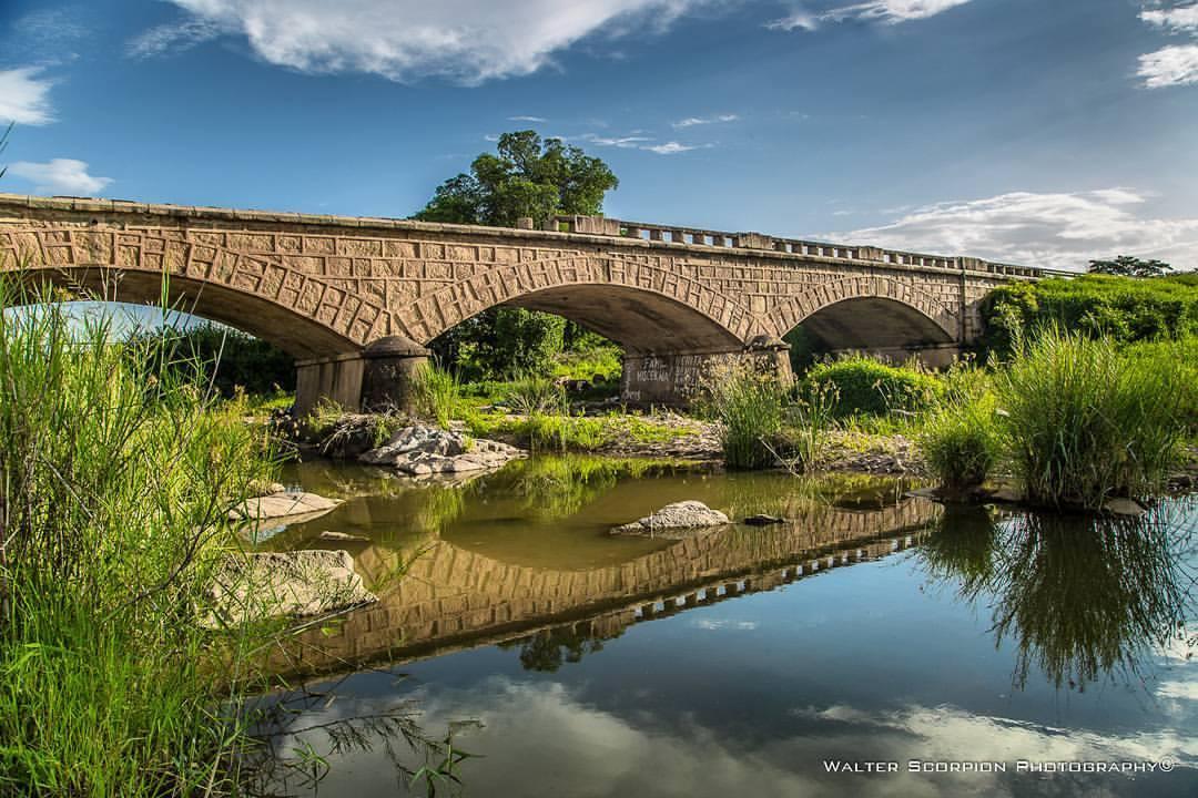 Ponte sobre o Rio Massonje