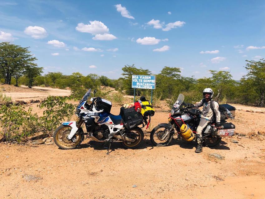 Uma aventura de Moto em Angola