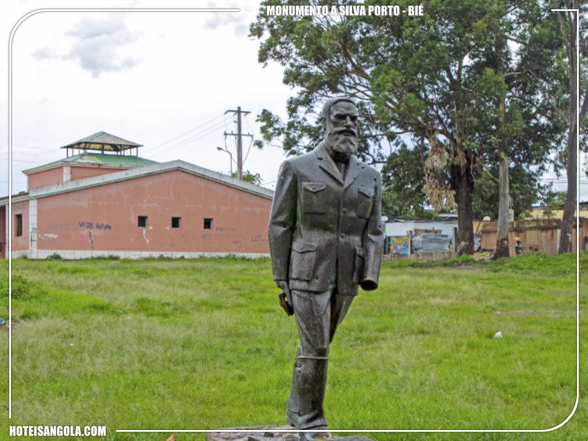 Monument to Silva Porto
